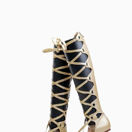 """<p>These sandals are perfect for the weekend or when you are running around with your girls! Plus, the color goes with pretty much everything.</p><p>$98, <a href=""""http://www.choies.com/product/golden-crossbandage-flat-sandals"""" target=""""_blank"""">Choies</a></p>"""