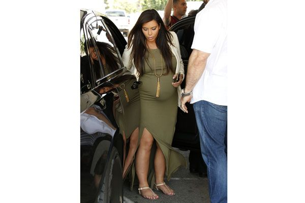 f3bd3ab75a8f2 Kim Kardashian Maternity Style - Pregnant Celebrities Style