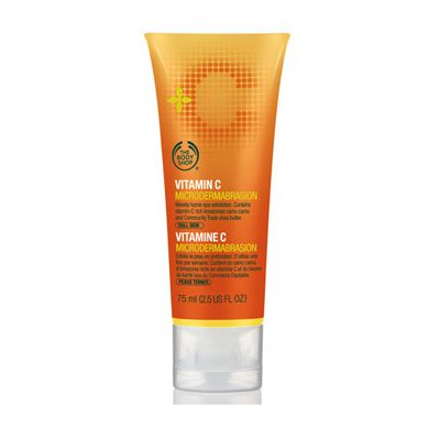 <p>Ultra-fine exfoliating garnet particles stimulate cell renewal and leave skin incredibly soft and smooth. Contains Amazonian camu camu berry, which is known to have one of the highest contents of vitamin C in nature. Antioxidant Vitamin C encourages production of collagen, improves elasticity and protects against damaging environmental aggressors.</p>