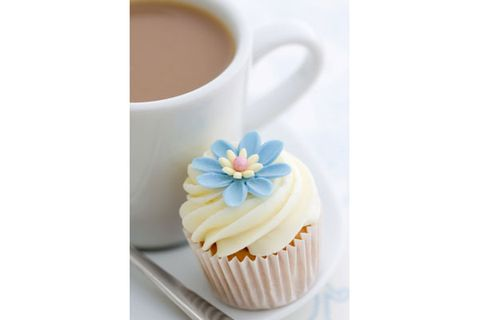 """<p>A study from Tel Aviv University found that people who had a carbohydrate- and protein-packed breakfast <em>followed by dessert</em> lost more weight than those who started the day with a low-carb, sugar-free meal. Participants who indulged in a small treat—chocolate, a doughnut, a cookie, or a piece of cake—reported feeling less hungry and having fewer cravings throughout the day. At the end of the eight-month trial, they'd lost an average of 45 pounds, compared to just 11 pounds for the low-carb <a href=""""http://www.cosmopolitan.com/advice/health/rise-of-the-dieting-dude?click=main_sr%20"""" target=""""_blank"""">dieters</a>.</p>"""