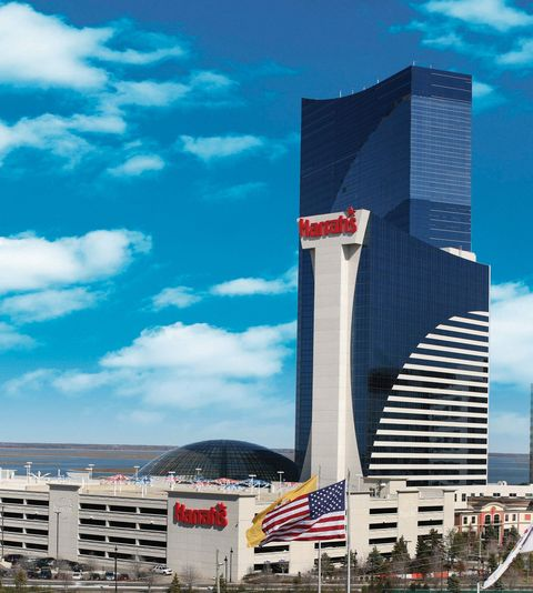 Cloud, Metropolitan area, Tower block, Urban area, City, Commercial building, Tower, Metropolis, Landmark, Cityscape,