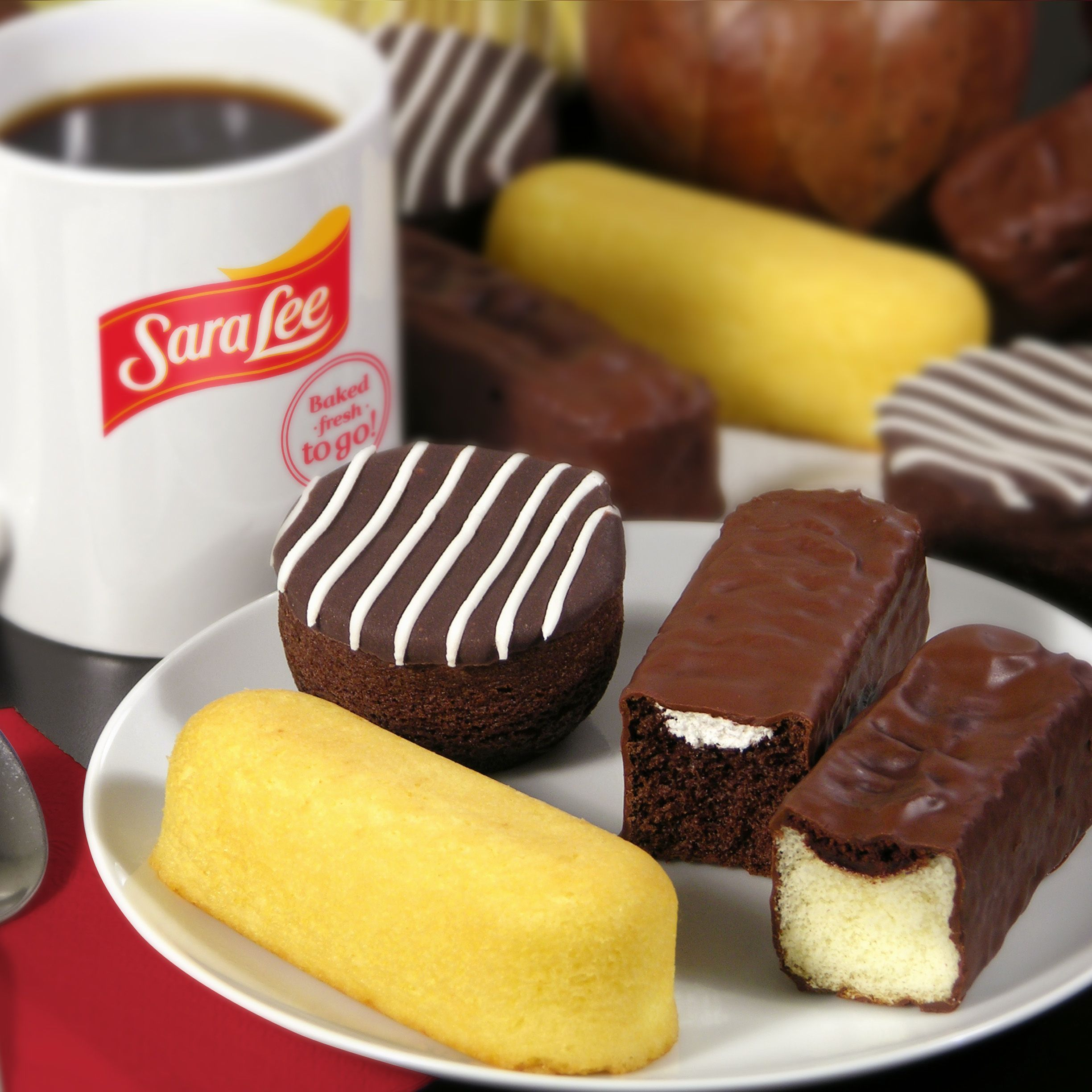 "<p><span style=""font-size: 12pt&#x3B; font-family: 'Times New Roman'&#x3B;"">Sara Lee has teamed up with <em>Bimbo</em> Bakeries USA to create their new snacks filled with cream and chocolate. It's like a little taste of Mexico in your mouth imagine a <em>Gansito</em> met a Twinkie but without the jelly. They also have a variety of other options perfect for a little sugar fix. </span></p>"