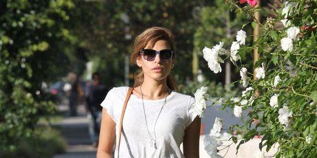 Clothing, Brown, Shoulder, Dress, Sunglasses, Bag, Summer, Street fashion, Fashion accessory, Petal,
