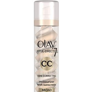 <p>Not only does this cream offer luminous coverage, it fights aging with serious, skincare-level UV protection.</p>