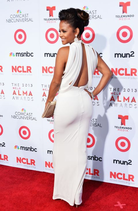 <p>Christina showed off some of her best assets in this white open-back gown. It does wonders in bringing out her gorgeous complexion. </p>