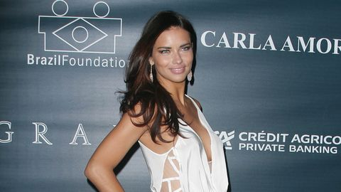 <p><strong>Adriana Lima</strong></p>