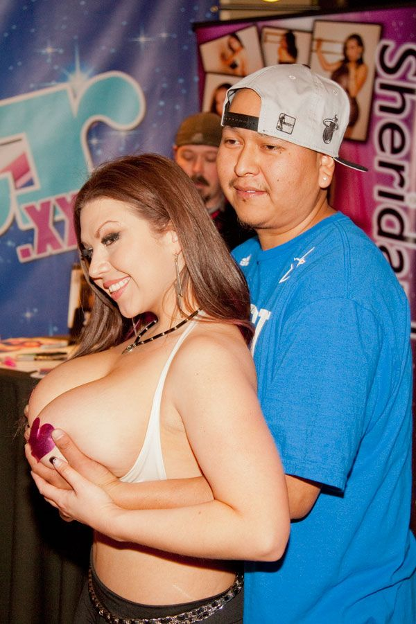 The Craziest Moments From the 2014 AVN Porn Expo & Awards