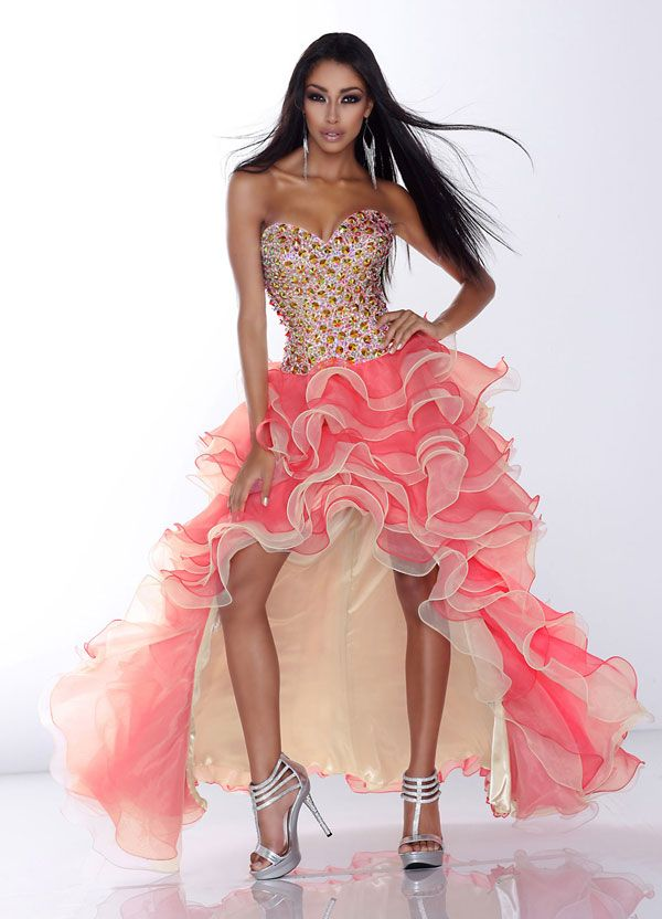 Truly Terrifying Prom Dresses You Need to See Now