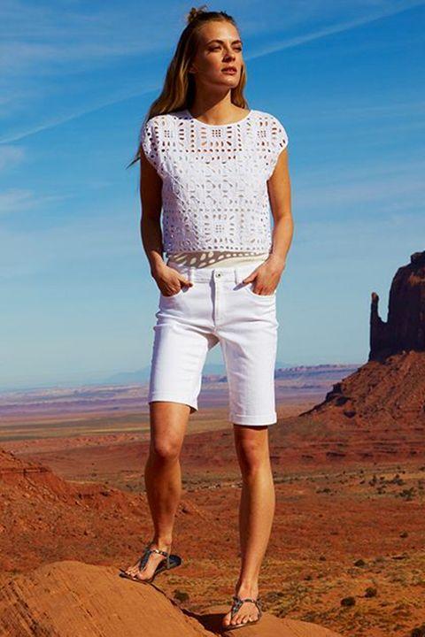 Leg, Human leg, Shoe, Standing, Landscape, Summer, Shorts, Knee, People in nature, Cool,