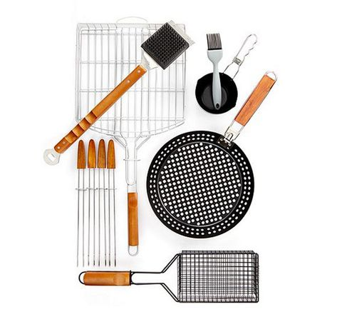Product, Audio equipment, Line, Kitchen utensil, Circle, Kitchen appliance accessory, Silver, Steel, Mesh,