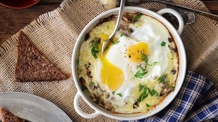 simple camping food ideas - Baked eggs