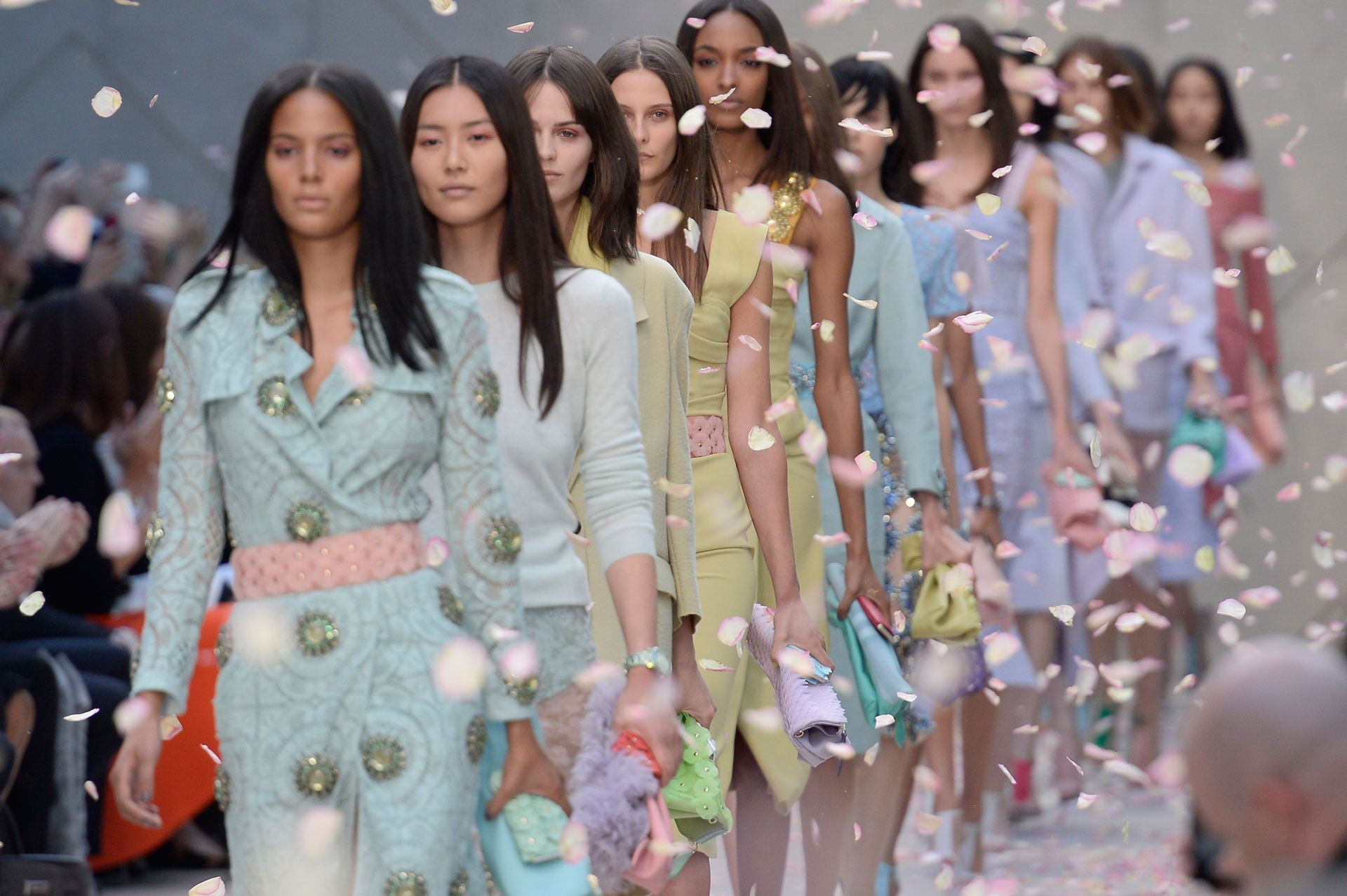 How to Wear Pastels - Pastel Colors Outfit Ideas