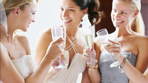 Ways Not to Fail at Your Maid Of Honor Toast