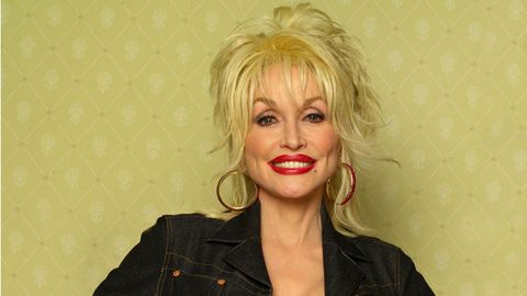 Why Dolly Parton Is a Goddess Among Twentysomethings