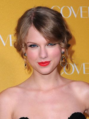 Taylor Swift Red Lipstick How To Get Taylor Swift S Red Lipstick