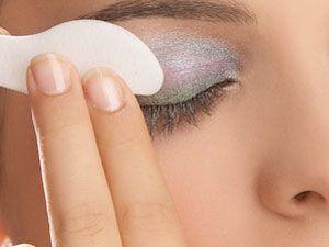 I Tried It Tuesday: Eye Majic Instant Eye Shadow Swipes