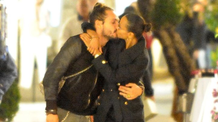Husband and wife: Marco Perego and Zoe Saldana sharing their kisses
