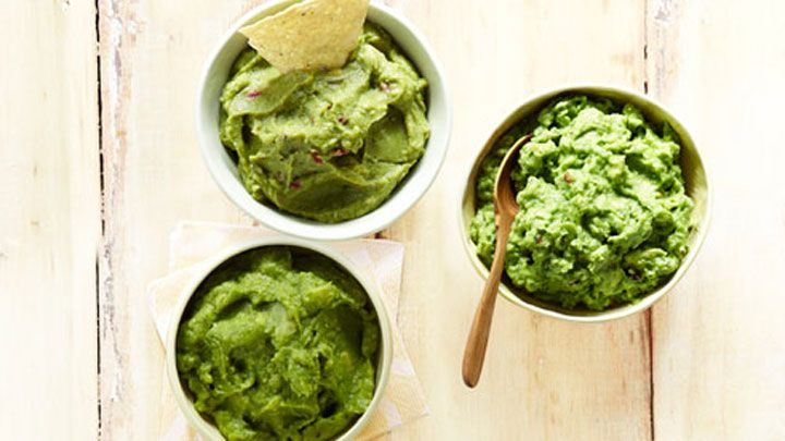 Here Is Exactly How to Make Chipotle's Guacamole