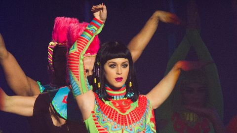You Have to See Katy Perry Do the Splits in Slow Motion