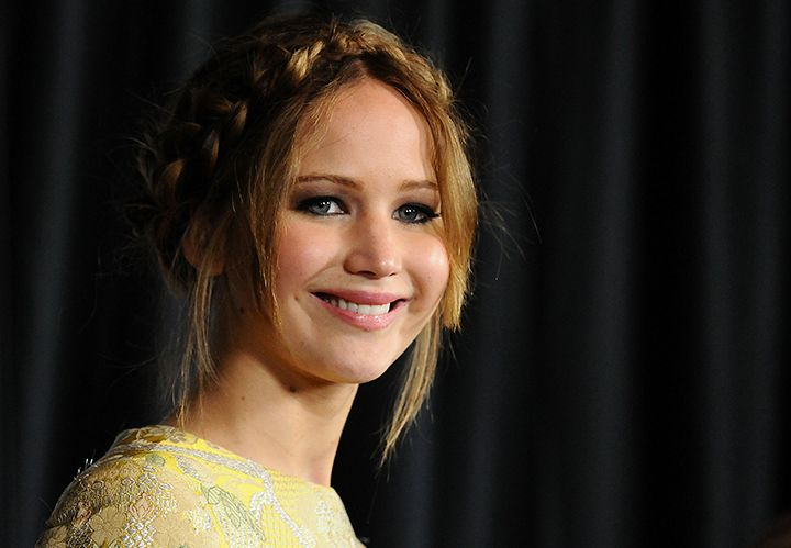 "Confirmed: Jennifer Lawrence ""Unglam,"" Enjoys Baking Pies"