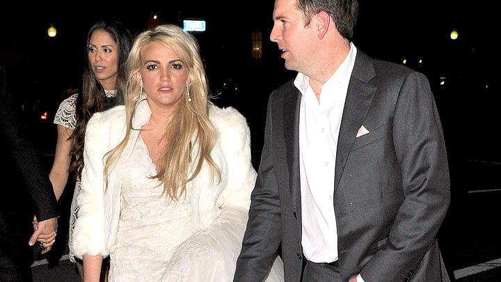 5fc556a1ed7 Jamie Lynn Spears Wore UGGS On Her Wedding Day