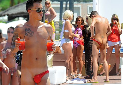 fd6c33b8464e1 You Will Never Be Able to Unsee This Guy's INSANE Bathing Suit