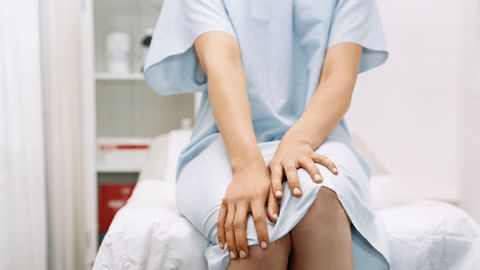 Sleeve, Joint, Patient, Health care provider, Service, Medical procedure, Knee, Medical, Health care, Thigh,