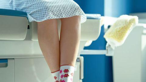 Human leg, Textile, Joint, Knee, Calf, Thigh, Peach, Waist, Foot, Hip,