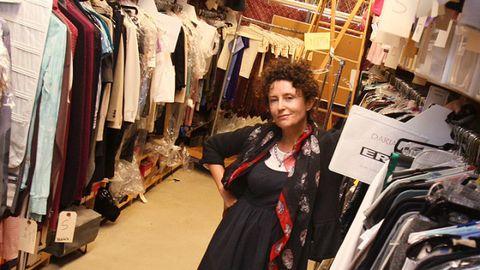Retail, Textile, Public space, Marketplace, Market, Fashion, Clothes hanger, Service, Shopping, Boutique,