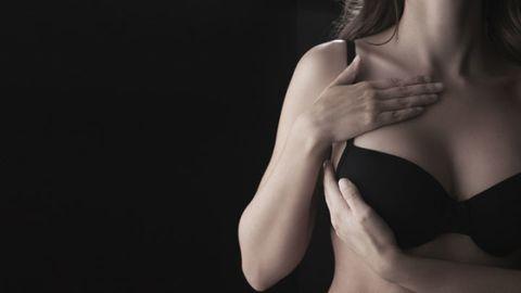 Finger, Shoulder, Undergarment, Beauty, Brassiere, Darkness, Lingerie, Model, Lingerie top, Nail,