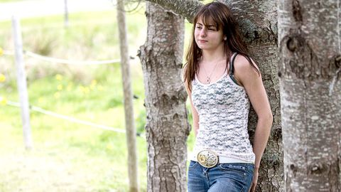 Clothing, Skin, Denim, Human body, Jeans, People in nature, Waist, Summer, Trunk, Beauty,