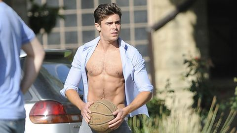 Ball, Basketball, Sports equipment, Ball, Ball game, Playing sports, Team sport, Chest, Sports, Muscle,