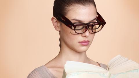 Eyewear, Ear, Vision care, Lip, Glasses, Hairstyle, Skin, Chin, Forehead, Shoulder,