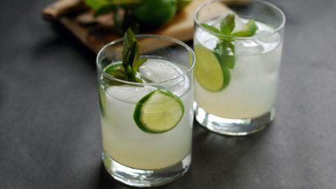 Green, Drink, Fluid, Classic cocktail, Liquid, Ingredient, Citrus, Produce, Cocktail, Lemon-lime,