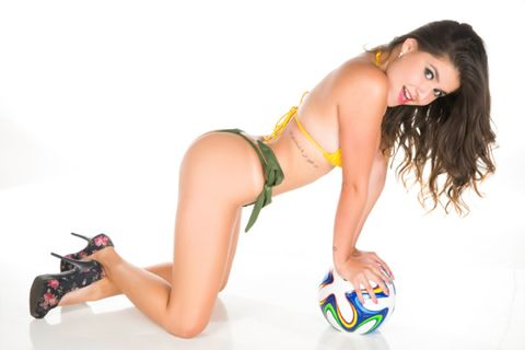 Ball, Single-lens reflex camera, Human leg, Camera, Thigh, Elbow, Knee, Black hair, Beauty, Ball,