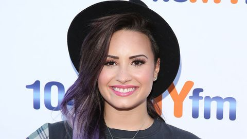 <p>Demi probably ran out of colors to dye her hair, so she went with a purple and silver ombre this time. </p> <p> </p>