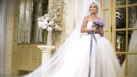 Clothing, Dress, Shoulder, Petal, Bridal clothing, Textile, Photograph, Bouquet, Gown, Wedding dress,