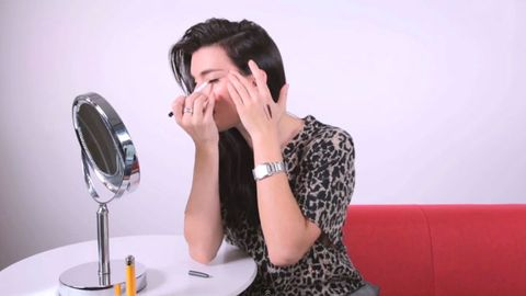 Will This Trick Really Make Eyeliner Easier to Apply?