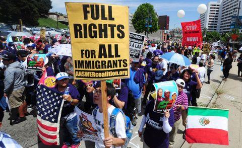 Crowd, Protest, Hat, Public event, Sunglasses, Rebellion, Banner, Flag, Social work, Sun hat,