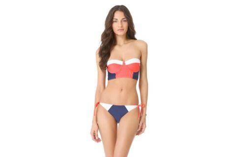 Brassiere, Skin, Human body, Shoulder, Waist, Joint, Standing, Chest, Bikini, Undergarment,
