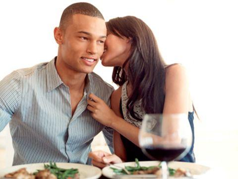Ear, Shirt, Dishware, Cuisine, Tableware, Food, Dish, Interaction, Meal, Sharing,