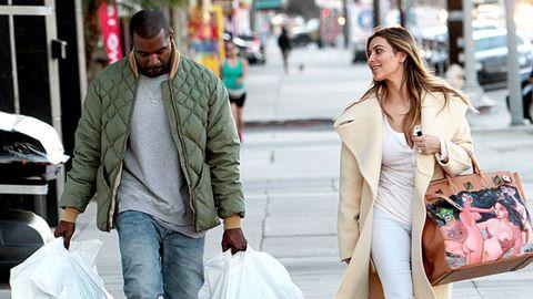 Textile, Outerwear, Coat, Street fashion, Style, Street, Jacket, Winter, Bag, Fashion,
