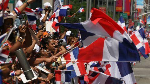 Flag, Crowd, Carmine, Fan, Parade, Sunglasses, Celebrating, Cheering, Costume, Tradition,