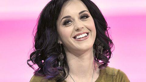 Lip, Smile, Cheek, Hairstyle, Chin, Forehead, Eyebrow, Happy, Tooth, Eyelash,
