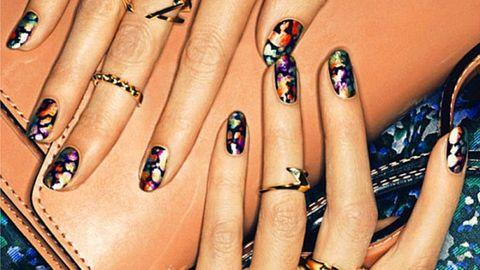 Blue, Finger, Yellow, Skin, Nail, Nail care, Nail polish, Toe, Amber, Purple,
