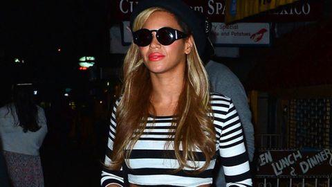 Eyewear, Glasses, Vision care, Sunglasses, White, Goggles, Street fashion, Fashion accessory, Fashion, Cool,