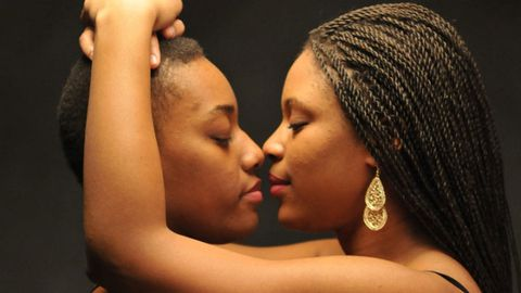 Lip, Hairstyle, Forehead, Earrings, Style, Beauty, Interaction, Cornrows, Romance, Fashion,