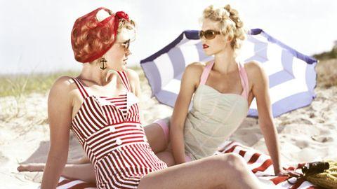 Eyewear, Ear, Vision care, Mouth, White, Sunglasses, Summer, Sitting, Fashion accessory, Fashion,