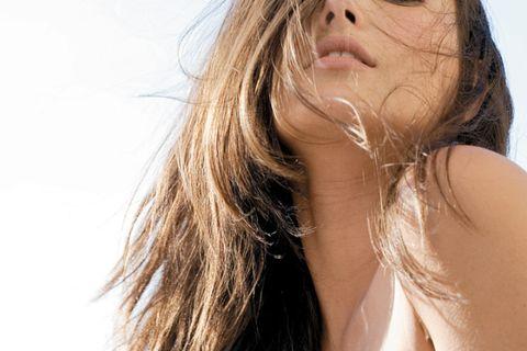 Lip, Brown, Hairstyle, Skin, Summer, Beauty, Organ, Long hair, Sunlight, Neck,