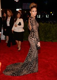 <p>JLo always looks good in anything that hugs her insanely sexy curves.</p>